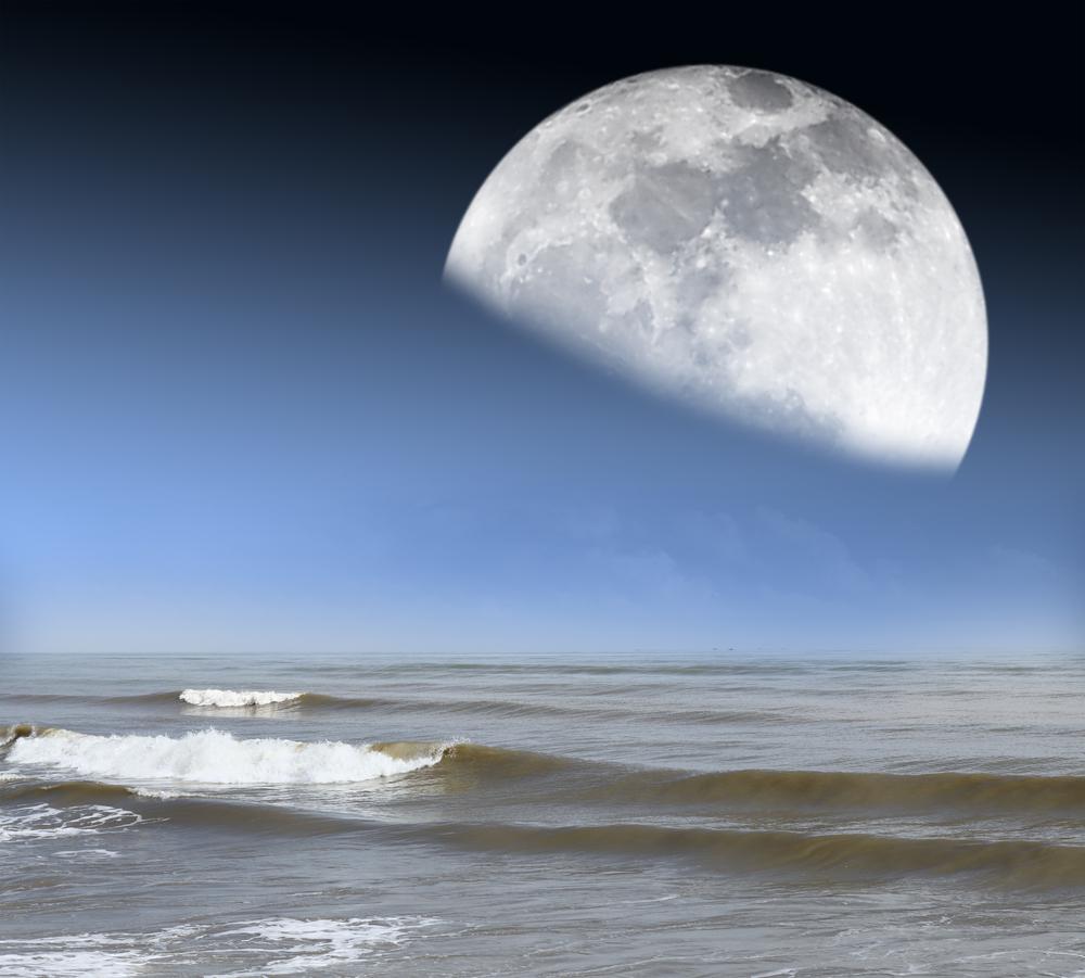 Ocean moon tides