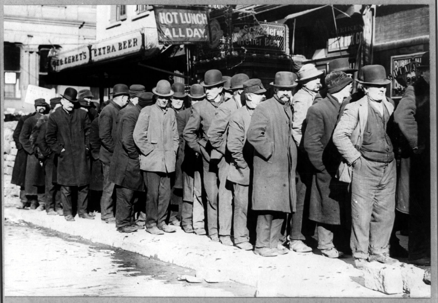 Line for soup kitchen during the Great Depression