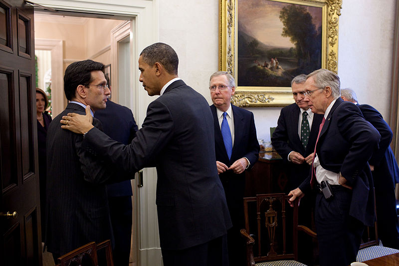 800px-Eric_Cantor_and_Barack_Obama_shake_hands