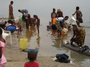 The Congo River is also people's main source of water for drinking, cooking and washing. Conditions like this are perfect for the transmission of cholera and water-borne diseases. Photo: Oxfam by Wikipedia.