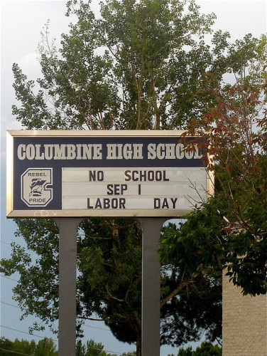 Columbine_High_School_sign