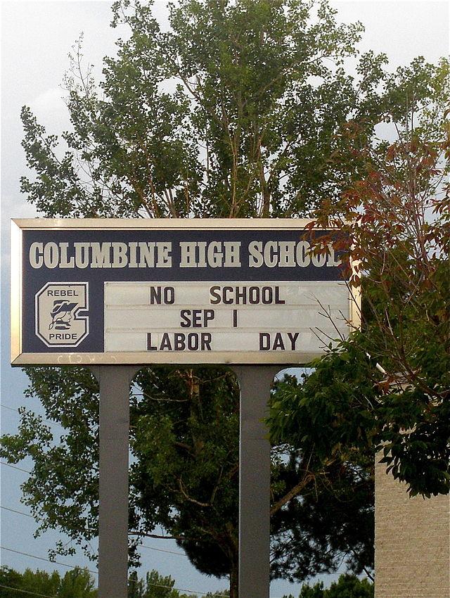 Columbine_High_School_sign